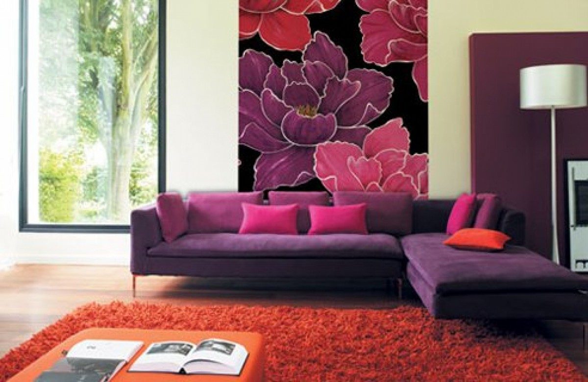 How to decorate your room walls with inexpensive things for Purple living room wallpaper