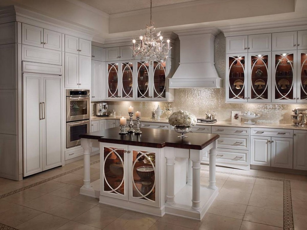 Vintage White Kitchen Cabinets 1024 x 768