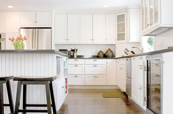 Simple wooden white cabinet design