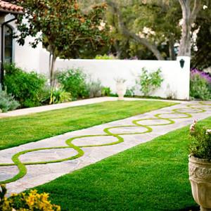 Small garden pavement