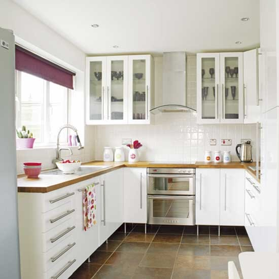 Modern small white kitchens decoration ideas for Pics of white kitchens