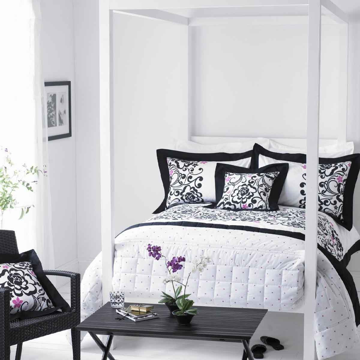 Bedroom Wall Decor Black And White : Modern black and white bedroom ideas