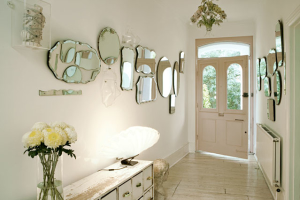 Five small hallway ideas for home for Long miroir mural