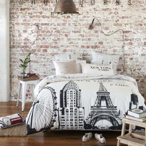 Modern paris room decor ideas for Black and white vintage bedroom ideas