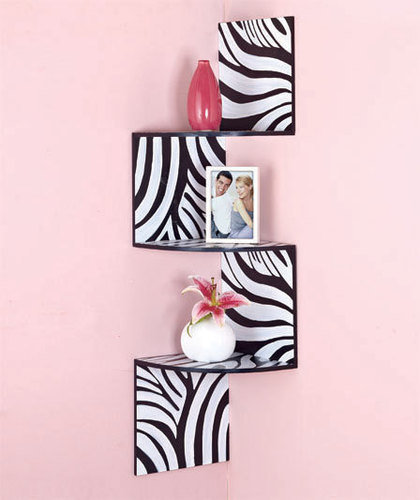 Zebra print wall decor for modern homes for Zebra decorations for home