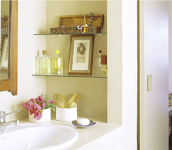 Creative diy storage ideas for small spaces and apartments for Diy bathroom ideas for small spaces