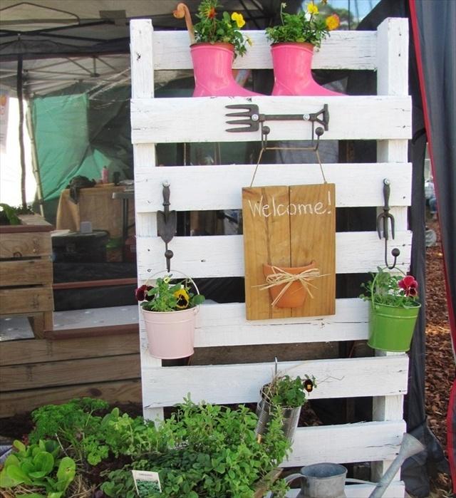 16 Creative Diy Vertical Garden Ideas For Small Gardens: Easy Vertical Garden DIY Ideas For Small Spaces