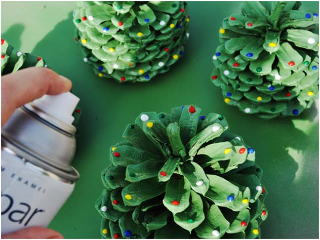 20 diy christmas decorations and crafts ideas for How to paint pine cones for christmas