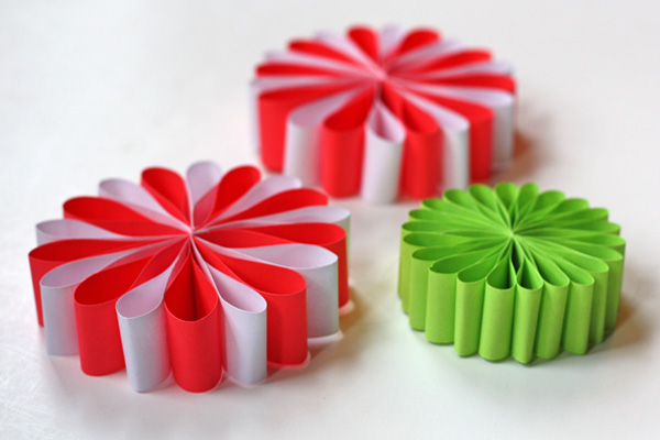 easy diy christmas decorations homemade christmas paper ornaments