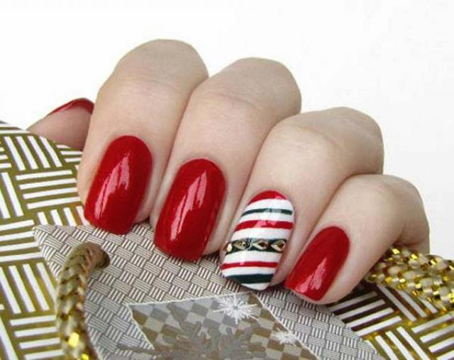 christmas nail polish designs