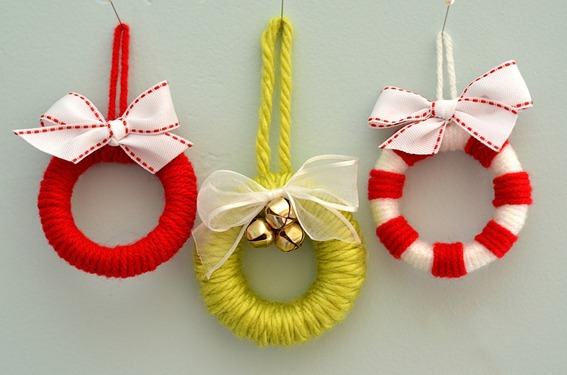 Make this modern hanging Christmas ornament with paper and beads. Just ...