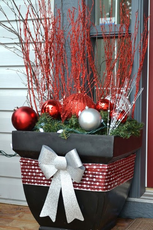 Decorating Ideas > 20 DIY Outdoor Christmas Decorations Ideas 2014 ~ 101404_Christmas Decorating Ideas For Outdoor Pots