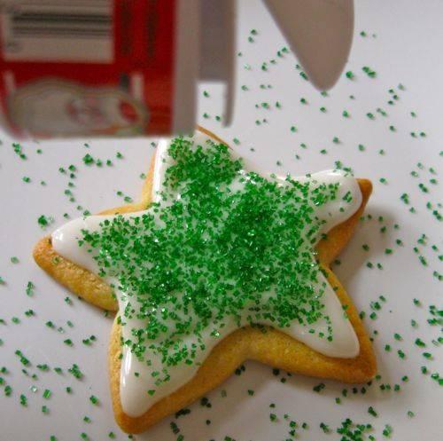 simple christmas cookies diy sugar cookies decorating ideas - Decorating Cookies With Sprinkles For Christmas
