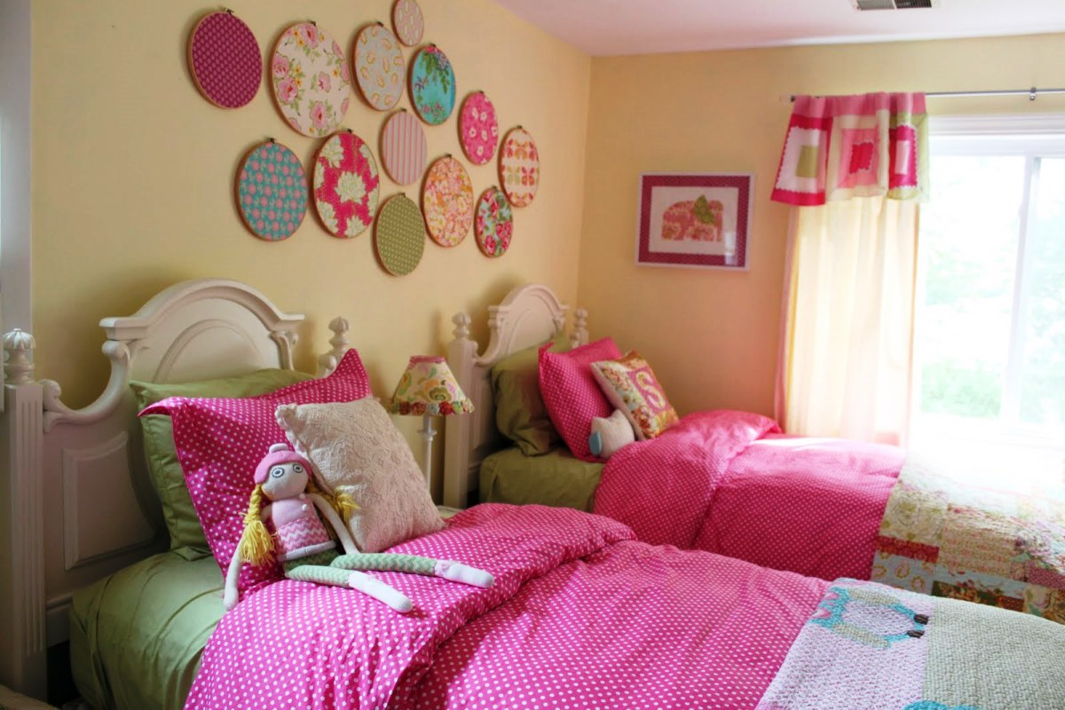 Easy diy bedroom decor ideas on budget for Simple girls bedroom