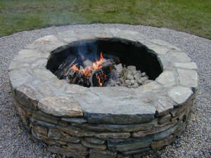 DIY Patio fireplaces with stones