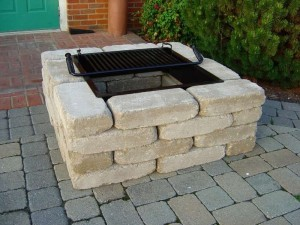 DIY outdoor fire pits with bricks