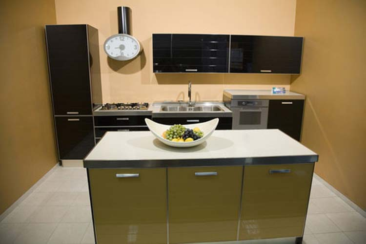 Modern small kitchen design ideas 2015 for Small square kitchen ideas