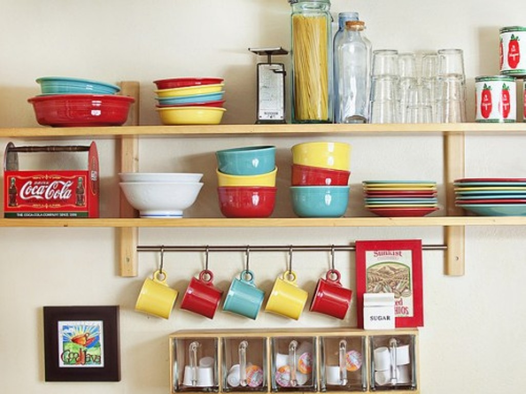 Diy kitchen storage solutions for an organized kitchen for Small kitchen shelves