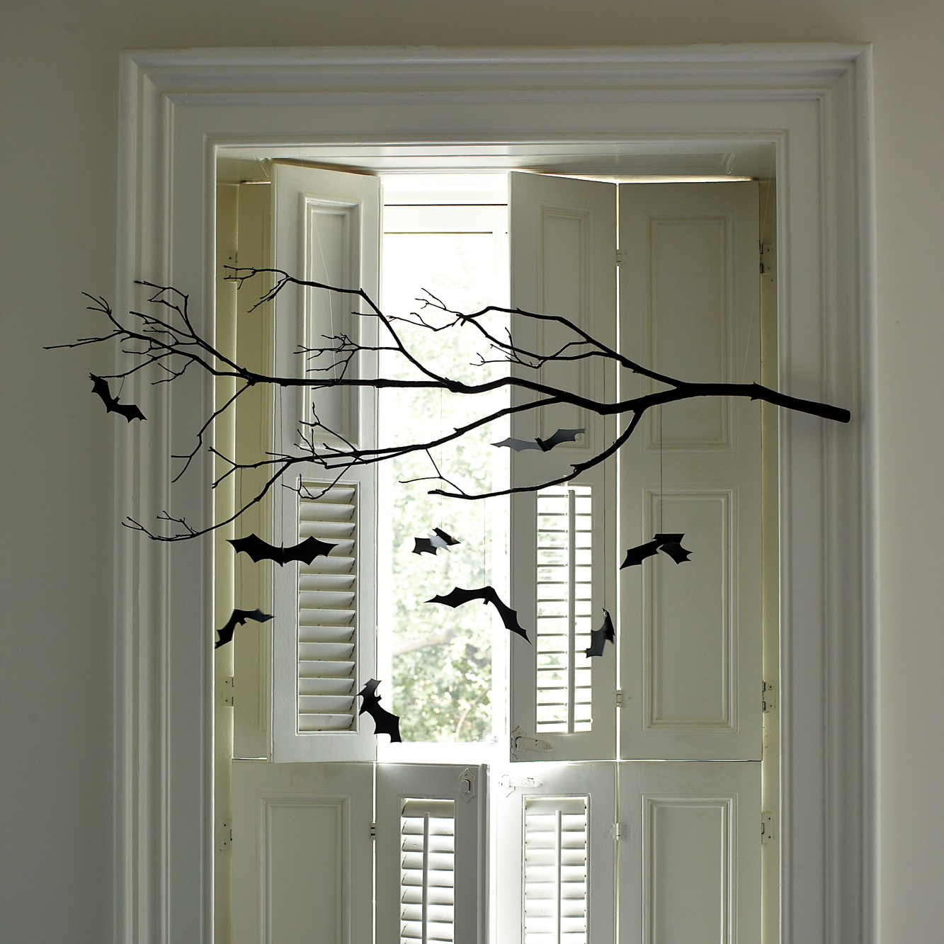 easy halloween decorations and crafts to save money. Black Bedroom Furniture Sets. Home Design Ideas