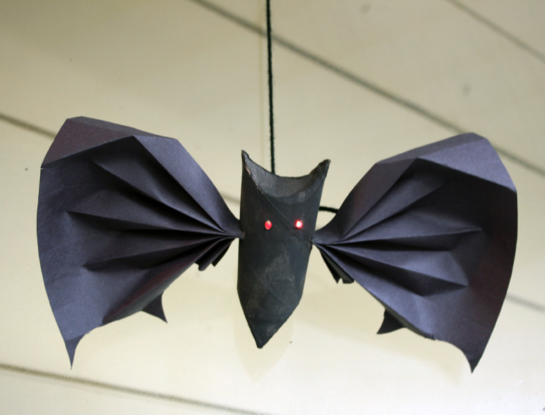 diy bat halloween decorations easy halloween decorations and crafts - Halloween Bats Crafts