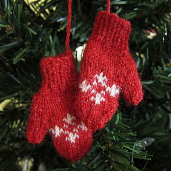 DIY Yarn Christmas ornaments